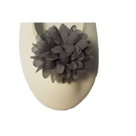 Schoen clip bloem licht grijs