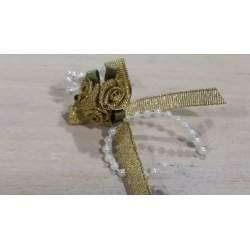 Haarbloem met roosjes en blaadjes