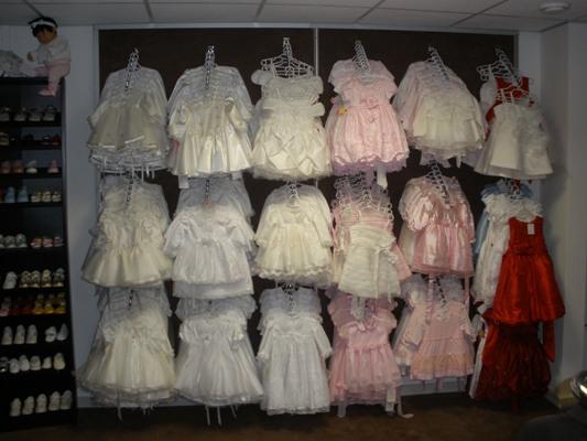 Jun 19, · Dit filmpje met bruidsmeisjes en bruidsjonkers showen de bruidskinderkleding van Humpie Dump kinderfeestkleding in Spijkenisse.